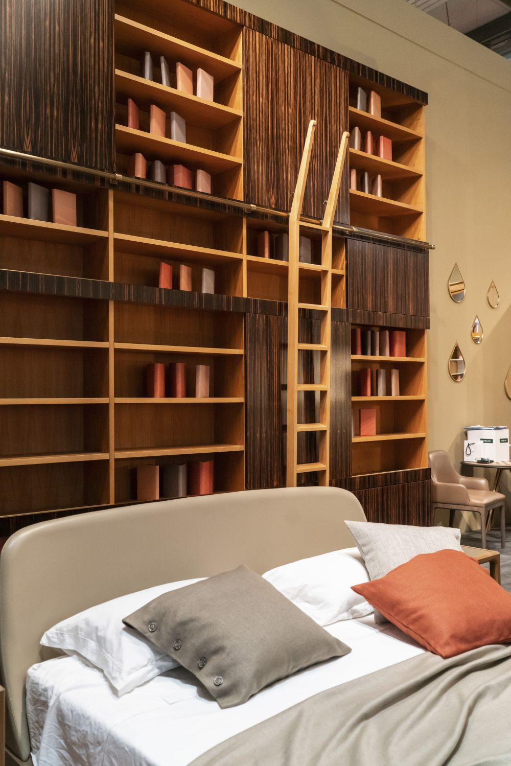 charming ways to integrate bookshelves into any space - Charming Ways To Integrate Bookshelves Into any Space