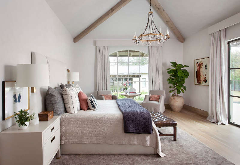 1572605431 465 20 beautiful examples of how a master bedroom should look like - 20 Beautiful Examples Of How A Master Bedroom Should Look Like