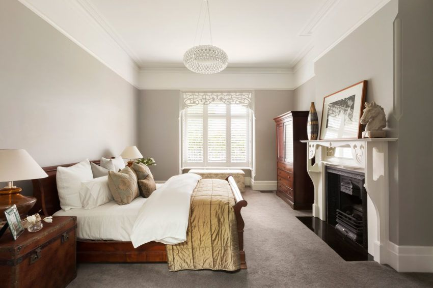 1572605432 147 20 beautiful examples of how a master bedroom should look like - 20 Beautiful Examples Of How A Master Bedroom Should Look Like