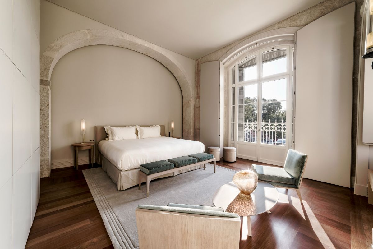 1572605432 249 20 beautiful examples of how a master bedroom should look like - 20 Beautiful Examples Of How A Master Bedroom Should Look Like