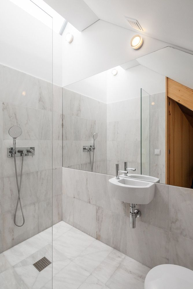 1572614296 56 beautiful walk in shower designs that could and should inspire you - Beautiful Walk In Shower Designs That Could and Should Inspire You