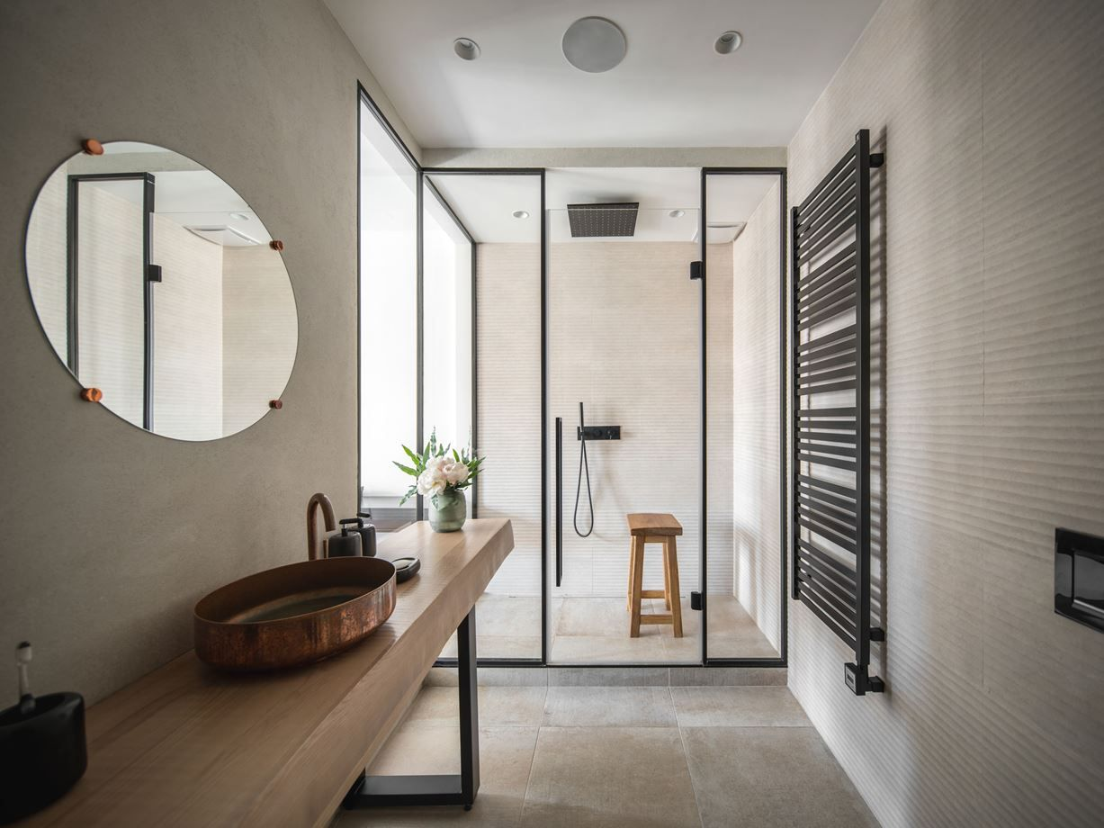 1572614297 476 beautiful walk in shower designs that could and should inspire you - Beautiful Walk In Shower Designs That Could and Should Inspire You