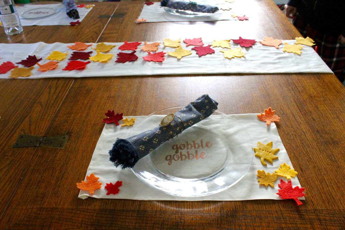 1572879878 240 beautiful thanksgiving decorations that anyone can make - Beautiful Thanksgiving Decorations That Anyone Can Make