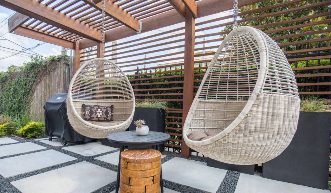 1572943325 559 the best swing chairs for patios gardens and backyards - The Best Swing Chairs for Patios, Gardens and Backyards