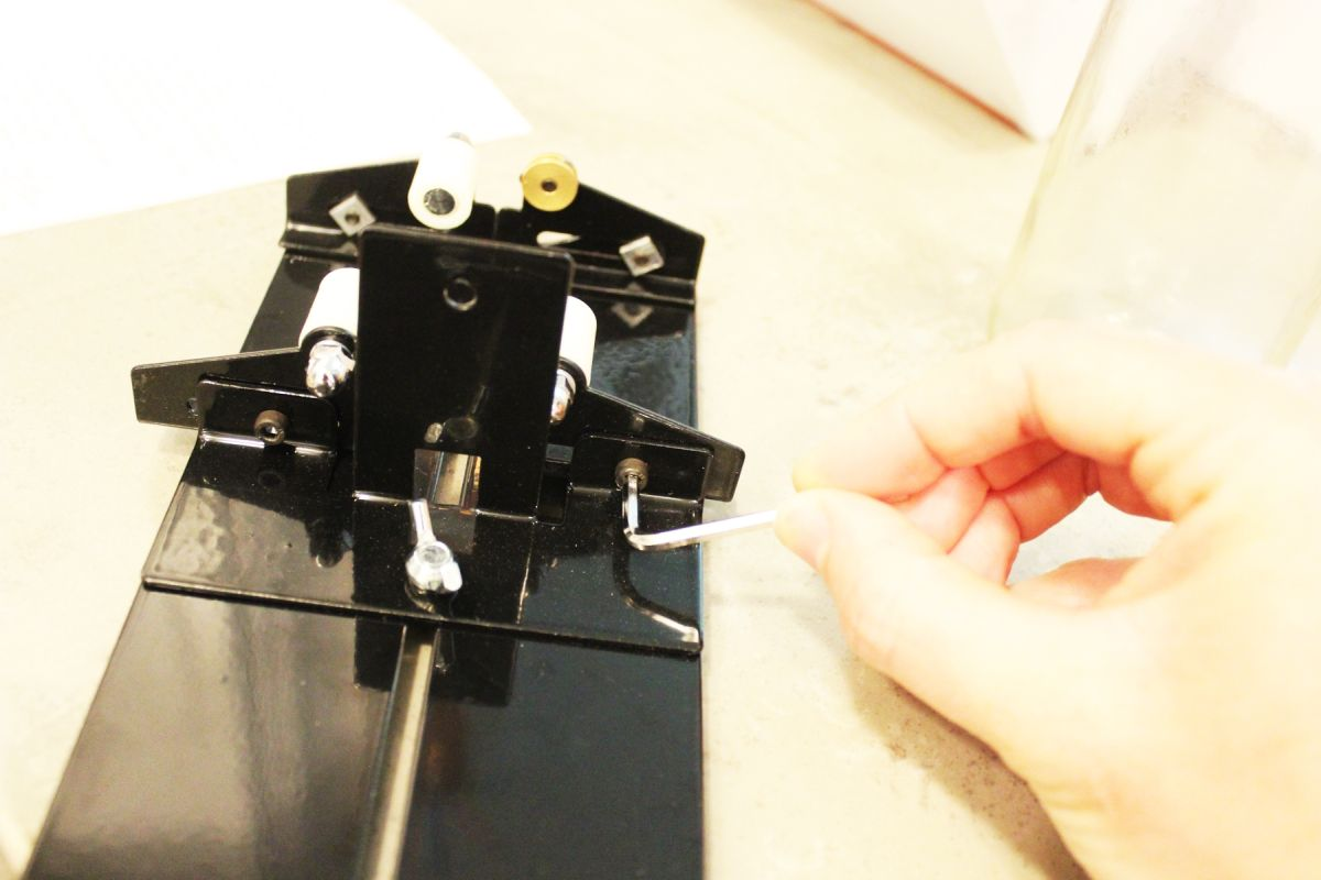 1572952934 582 glass bottle cutter basic tutorial and product reviews - Glass Bottle Cutter: Basic Tutorial and Product Reviews