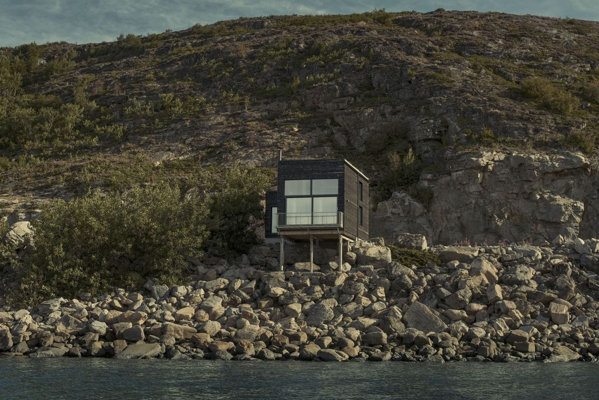 1572954055 14 10 modern houses from norway showcase their minimalist beauty - 10 Modern Houses From Norway Showcase Their Minimalist Beauty
