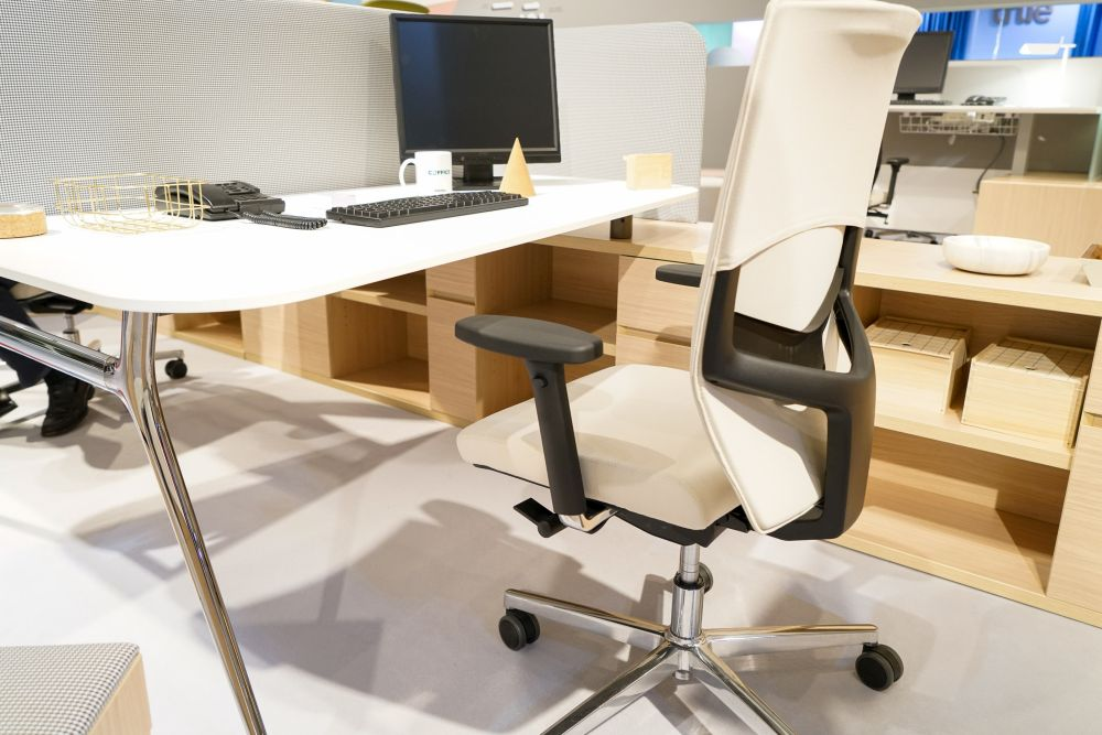 1572958303 634 make your workplace more appealing with these office furniture ideas - Make Your Workplace More Appealing with These Office Furniture Ideas