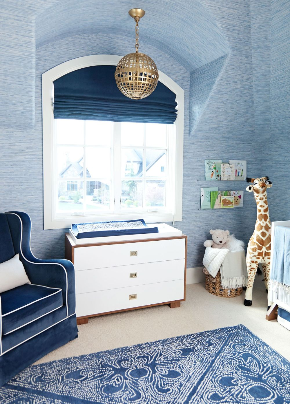 1572969145 551 20 beautiful blue rooms ideas to decorate with blue - 20 Beautiful Blue Rooms – Ideas To Decorate With Blue