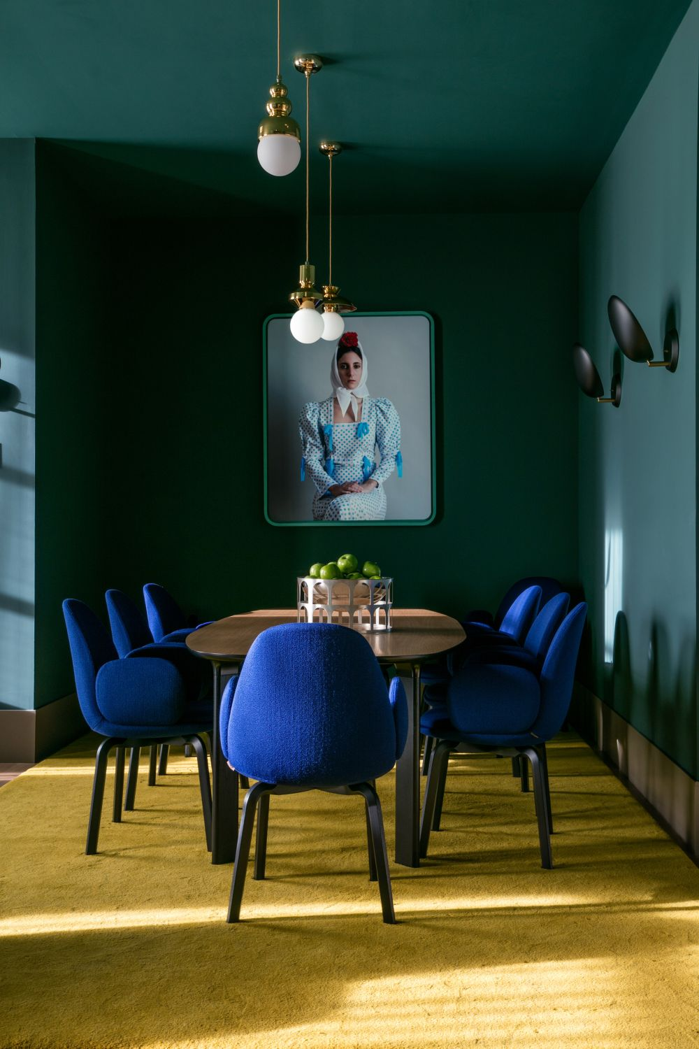 1572969148 992 20 beautiful blue rooms ideas to decorate with blue - 20 Beautiful Blue Rooms – Ideas To Decorate With Blue