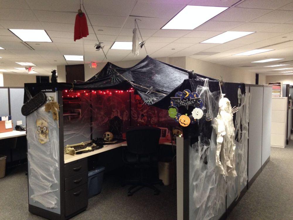 1572969949 440 fun and spooky halloween office decor ideas - Fun And Spooky Halloween Office Decor Ideas