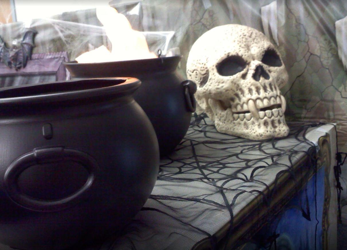 1572969950 535 fun and spooky halloween office decor ideas - Fun And Spooky Halloween Office Decor Ideas