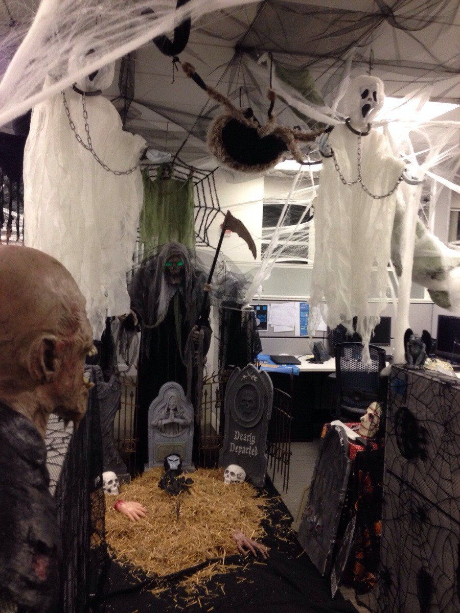 1572969950 834 fun and spooky halloween office decor ideas - Fun And Spooky Halloween Office Decor Ideas