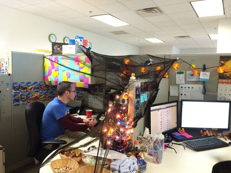 1572969950 975 fun and spooky halloween office decor ideas - Fun And Spooky Halloween Office Decor Ideas