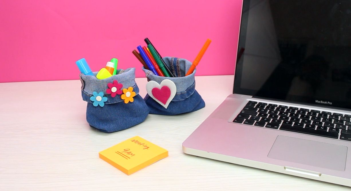 1572980939 453 cool and easy cubicle decor accessories that will brighten up your workday - Cool And Easy Cubicle Decor Accessories That Will Brighten Up Your Workday